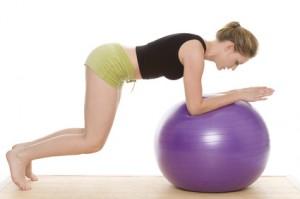 Gymnastik kann bei Arthrose helfen.